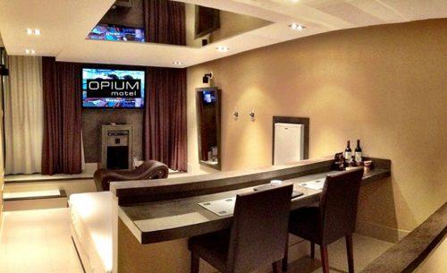 Conheça a Suíte Opium Premium do Opium Motel e garanta já a sua reserva